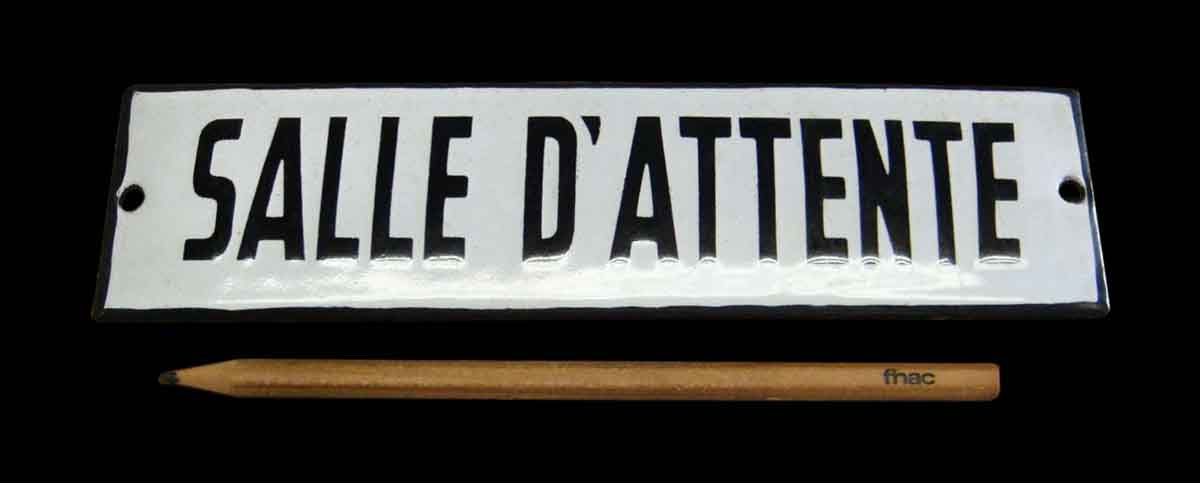 French Waiting Room Sign