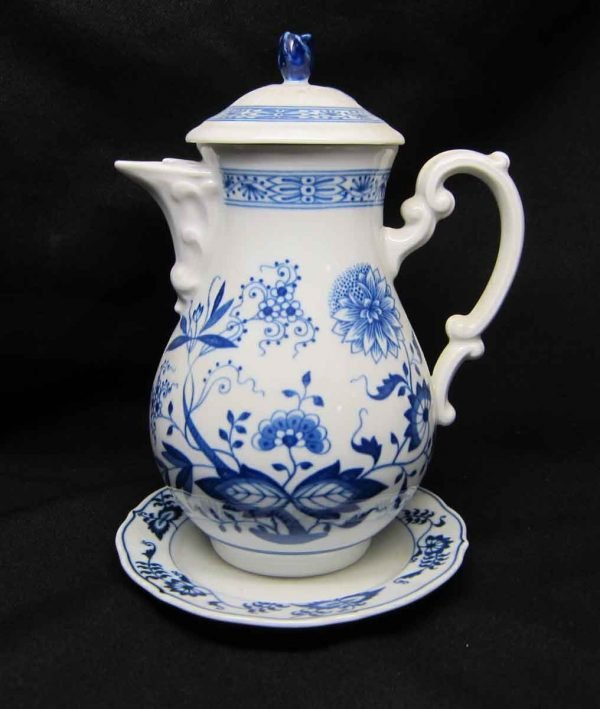 Hutschen Reuther Blue Onion Coffee Pot with Plate