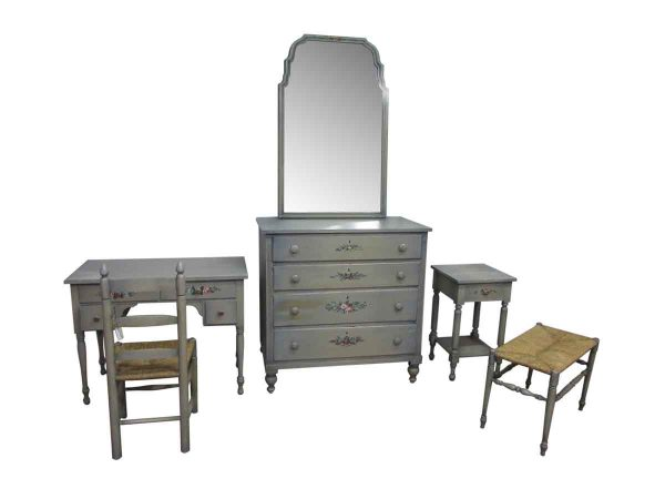 Country Wooden Bedroom Set with Vanity