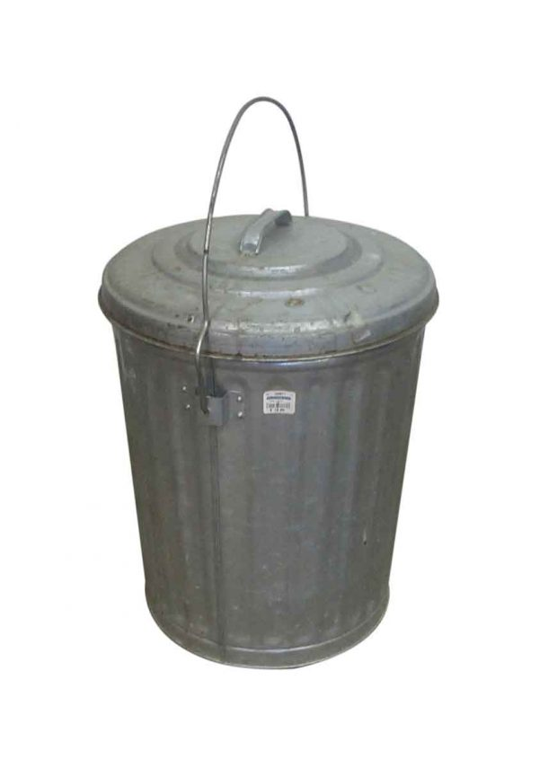 Petite Metal Trash Can with Lid