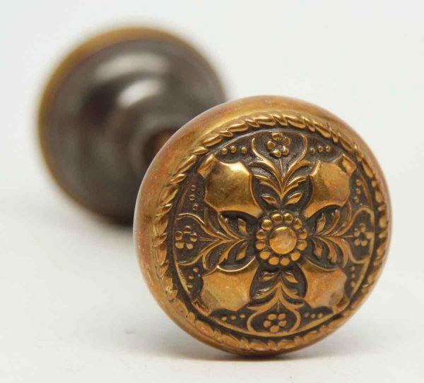 Ornate 4 Fold Symmetry Floral Knob Set