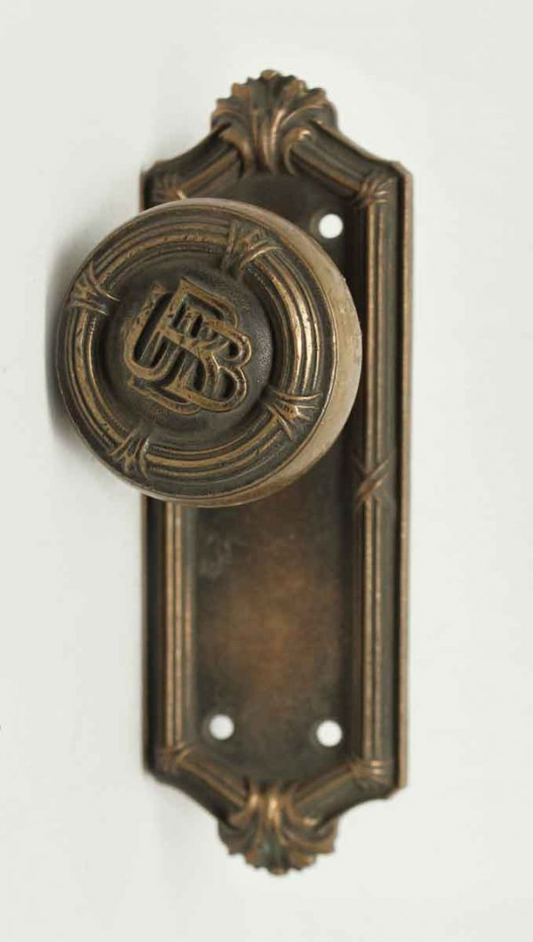 Emblematic Ubb Bronze Knob Set with Small Plate