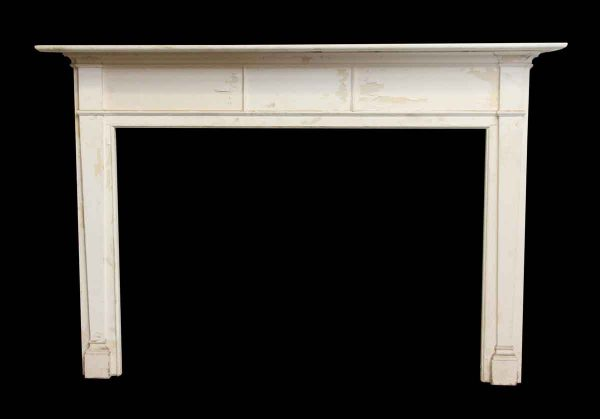 Federal Style American Wood Mantel with Tapered Leg Detail