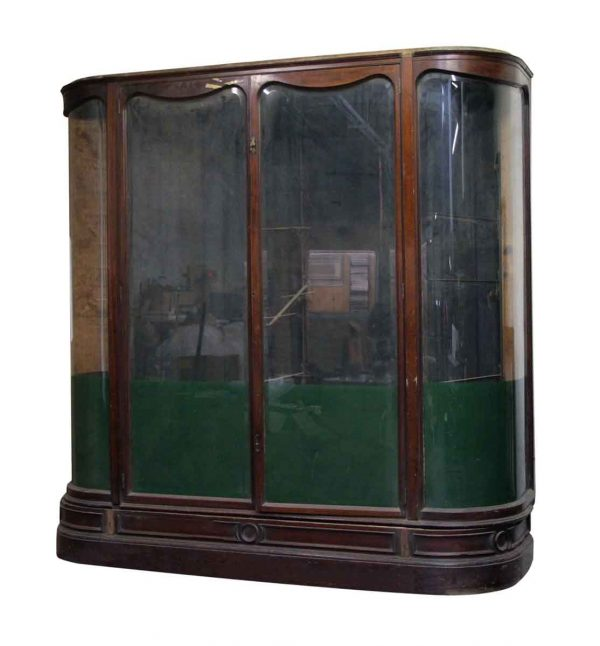 Grand English Curved Showcase